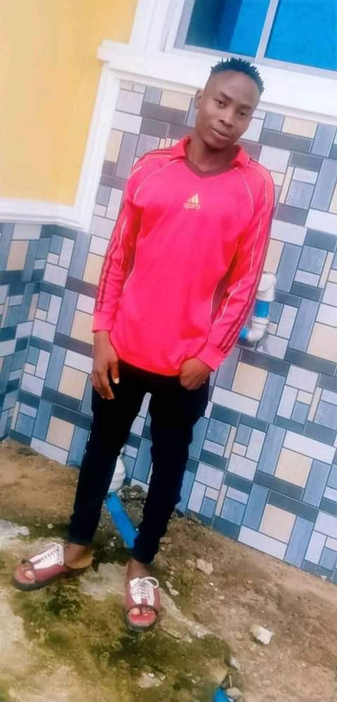 GRAPHIC PHOTOS: Friends stabs 27 years old man to his death after wining N15m bet.